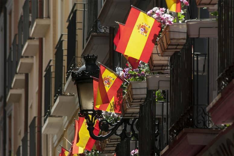 Imazu, en la prensa francesa, por el éxito de las banderas de España tras el confinamiento