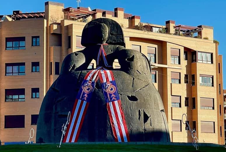 La bufanda gigante del Atlético de Madrid es de Imazu