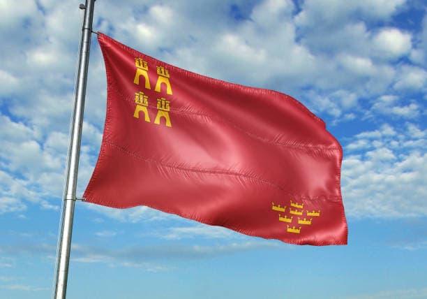 Conoce el origen y singularidades de la bandera de Murcia